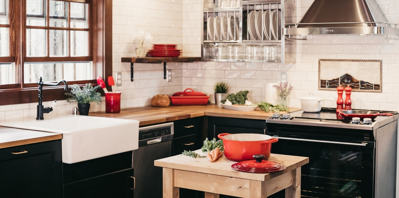Can a farmhouse sink have a garbage disposal?   Dispozal
