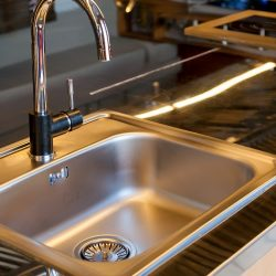 How to Clean a Kitchen Sink